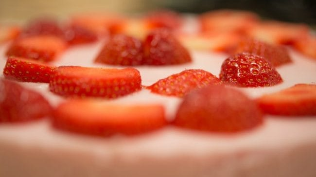 cake-red-delicious-food-584406